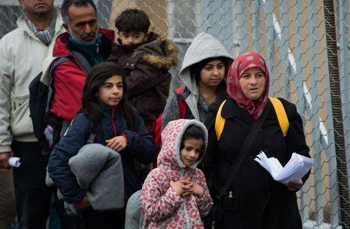 Österreich begrenzt den Flüchtlingsstrom an seiner Südgrenze auf 80 einreisende am Tag. (Archivfoto) Foto: dpa