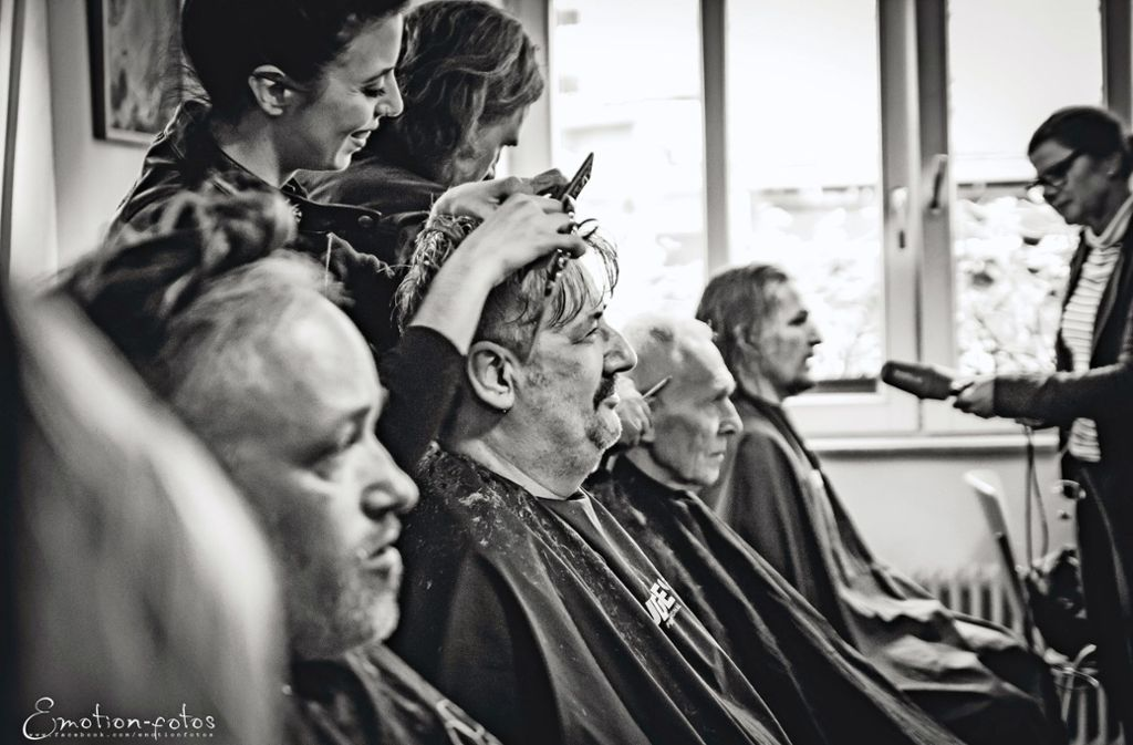 barber angels brotherhood die bruderschaft der friseur engel schwebt ein stuttgart s d. Black Bedroom Furniture Sets. Home Design Ideas