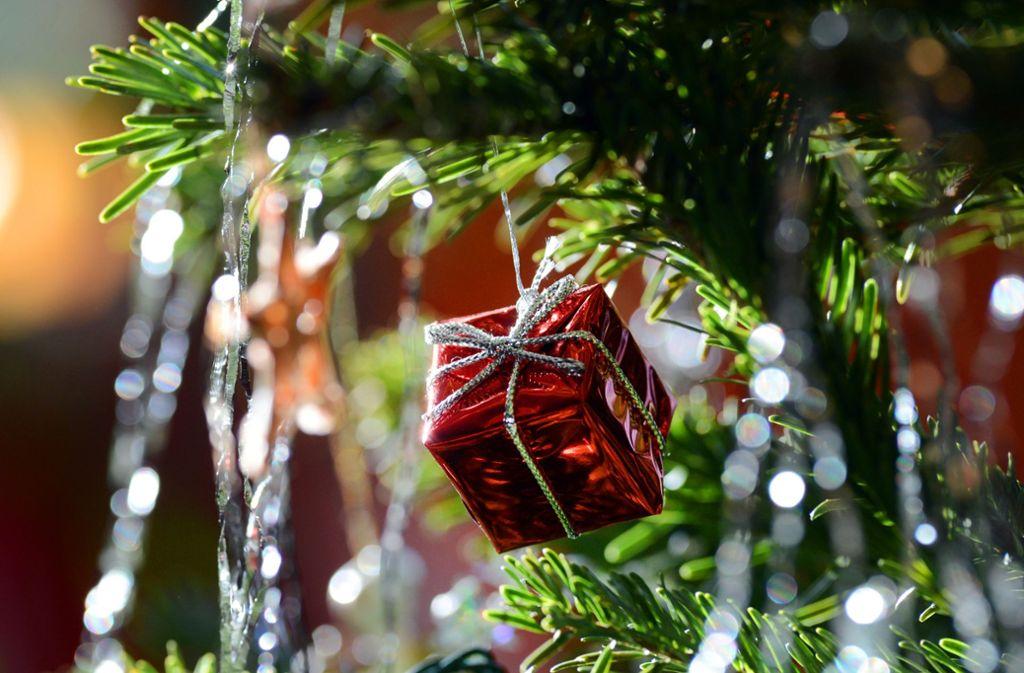 Wieso Tannenbaum Weihnachten.Einen Monat Nach Weihnachten Tannenbaum Brennt Explosionsartig