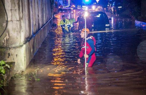 Drei Tote durch zerstörerische Überschwemmungen