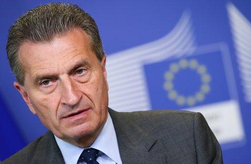 Oettinger tritt ins Fettnäpfchen