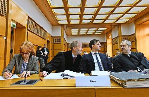 S-21-Gegner scheitern vor Gericht