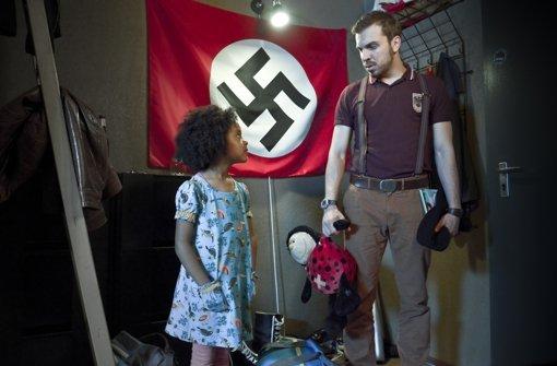 """""""Der Führer guckt nicht traurig"""""""