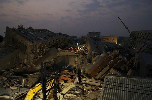 Tote und Verletzte bei Erdbeben
