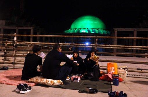 Muslime feiern Nacht der Bestimmung
