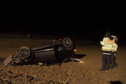 19-jähriger Fahrer überschlägt sich