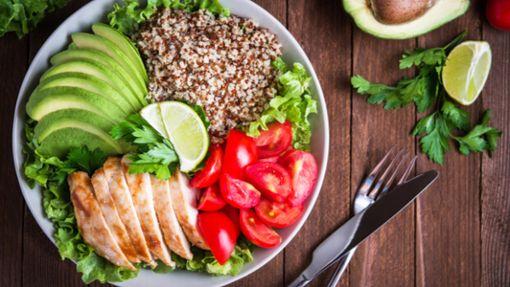 Wissen, wie man Diäten lebt, um Gewicht zu verlieren
