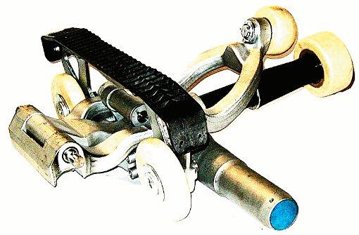 pstrongKlemme/strongbr / Mit der Klemme werden  Gondeln oder die Sessel an dem Förderseil befestigt./p Foto: SoAk
