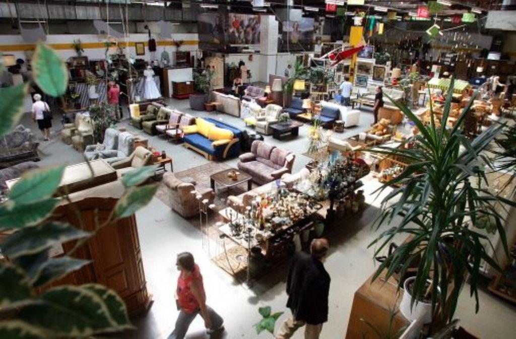 sozialkaufhaus dem fairkauf droht das aus stuttgart. Black Bedroom Furniture Sets. Home Design Ideas