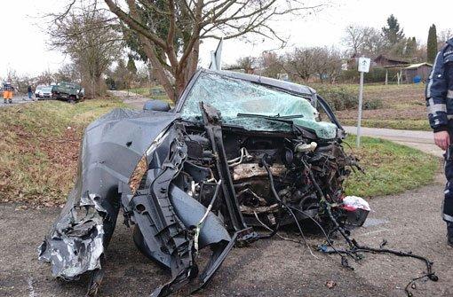 Fünf Verletzte nach Frontal-Crash