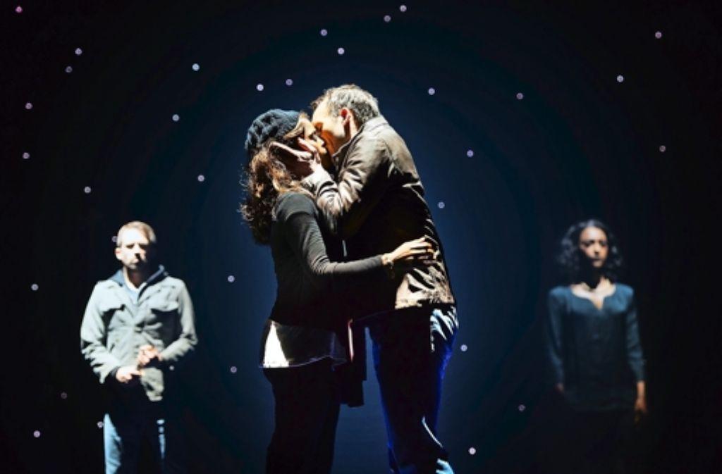 The Bodyguard In Köln Romantisches Musical Feiert Premiere In