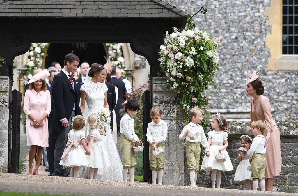 Pippa Middleton Feiert Hochzeit Herzogin Kate Hat Die Kinder Im