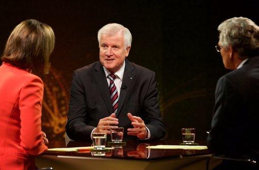 Seehofer will Ministerpräsident bleiben und nicht nach Berlin