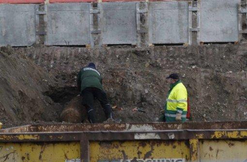Gefährlicher Fund am Bahndamm am Nordbahnhofviertel: Eine 500-Kilo-Fliegerbombe. Foto: 7aktuell.de/Oswald
