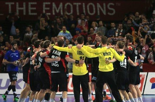 Die deutsche Handball-Nationalmannschaft erkämpfte sich gegen starke Dänen einen 25:23-Sieg. Foto: dpa
