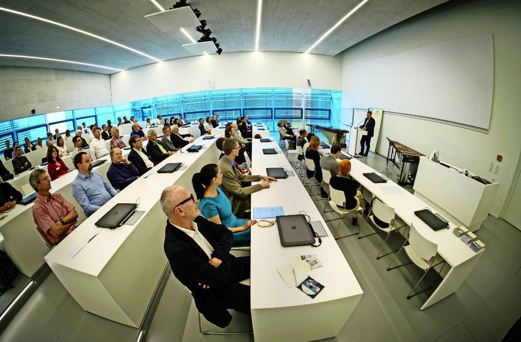 Schulungszentrum Für Supercomputer Wo Experten In Stuttgart