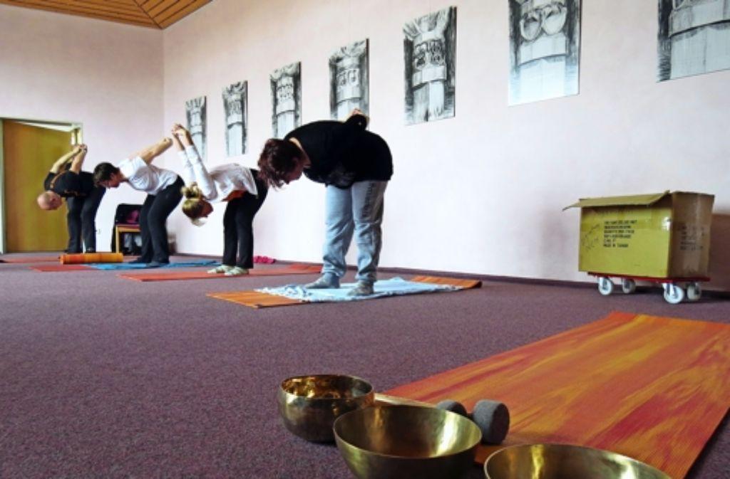 nikolaus cusanus haus yoga f r den arbeitseifer birkach stuttgarter nachrichten. Black Bedroom Furniture Sets. Home Design Ideas