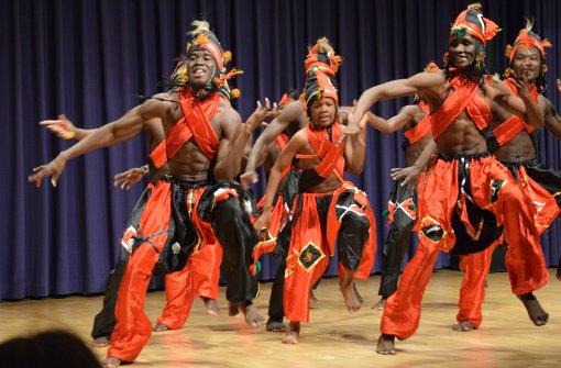 Malisches Ballett tanzt für guten Zweck