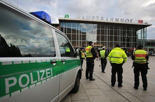 Auf dem Platz vor dem Hauptbahnhof in Köln haben sich an Silvester unglaubliche Szenen abgespielt. Foto: dpa