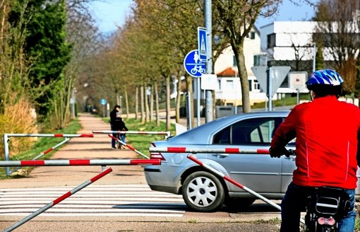 Die umstrittenen Donzdorfer Barrieren bleiben vorerst bestehen. Foto: Rudel/Archiv