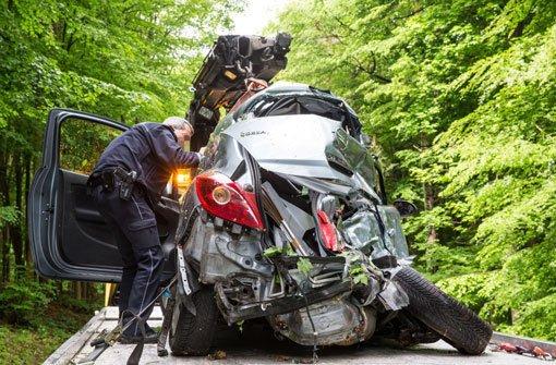 26-jähriger Fahrer stirbt bei Unfall