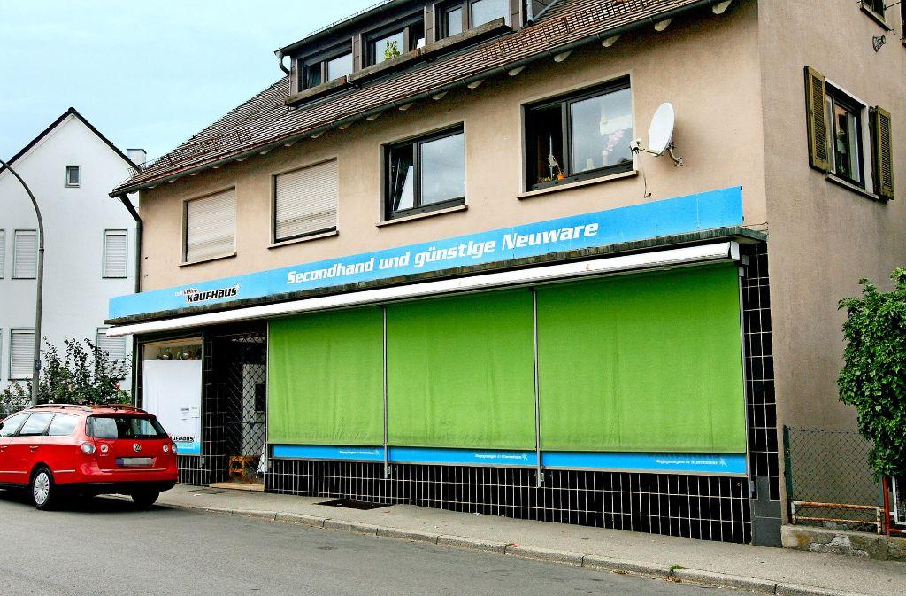 sozialkaufhaus in stuttgart stammheim das kleine kaufhaus macht dicht stammheim stuttgarter. Black Bedroom Furniture Sets. Home Design Ideas