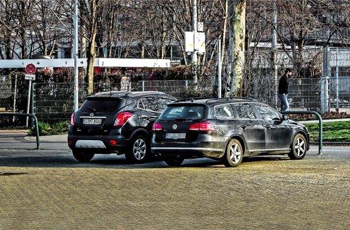 Nur ganz wenige Autofahrer nutzen am Donnerstag das Angebot der Stadt, ihren Wagen auf dem Cannstatter Wasen zu parken und mit der Stadtbahnlinie U11 in die Stadtmitte zu fahren Foto: Lichtgut/Max Kovalenko