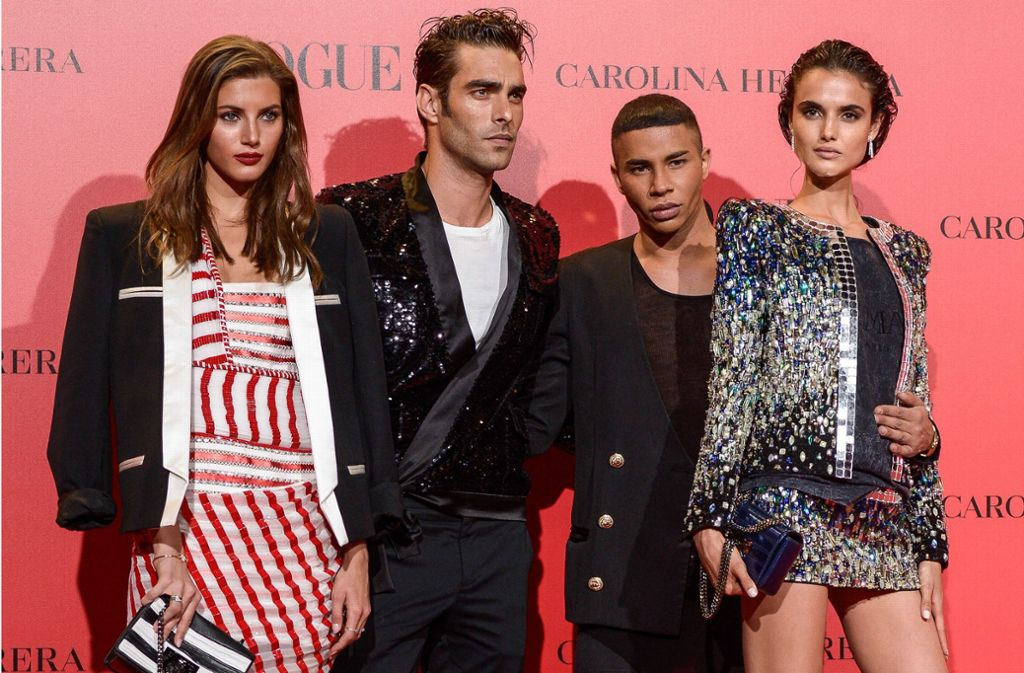 Models posieren auf dem roten Teppich der Vogue-Party in Madrid. Foto: Getty Images Europe