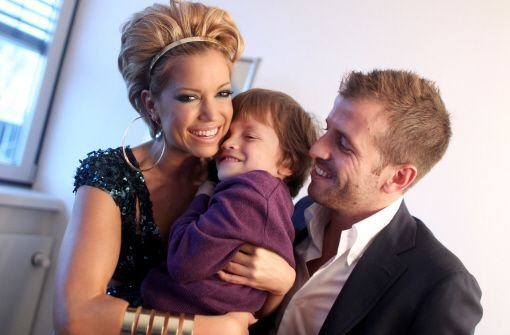Ein Bild aus glücklichen Tagen: Sylvie gemeinsam mit Sohn Damian und ihrem damaligen Mann Rafael van der Vaart. Foto: dpa