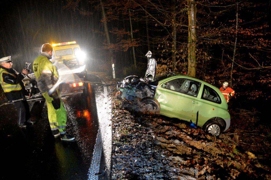 Ein frontal crash bei spiegelberg im rems murr kreis hat for Spiegel leserreisen