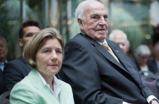 Altbundeskanzler Helmut Kohl und seine Frau Maike Kohl-Richter Foto: dpa