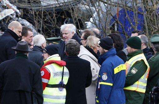 Horst Seehofer besucht die Unfallstelle