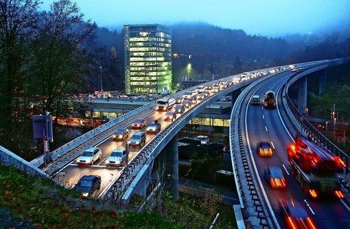 Auf der B14 stadteinwärts kommt es oft zu Staus Foto: Lichtgut/Achim Zweygart