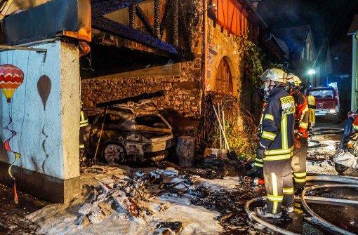 Auto brennt – 70.000 Euro Schaden