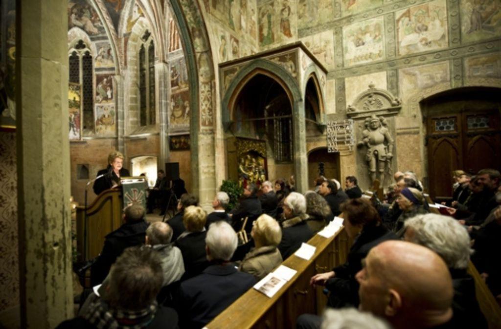 Weihnachten Kirche.Voller Gottesdienst An Weihnachten Kirchen In Stuttgart Können Sich