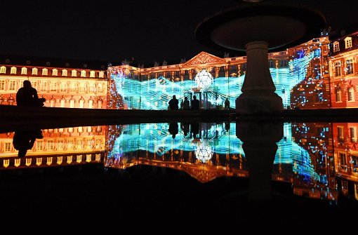 Karlsruhe, Germany wants to dive  to celebrate Fesivals his castle in a new light.  Photo: dpa