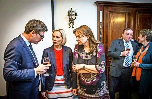 Ein bitterer Abend für die Stuttgarter CDU: Kreisvorsitzender Stefan Kaufmann,   die Kandidaten Stefanie Schorn, Donate Kluxen-Pyta, Kandidat Roland Schmid sowie dessen Frau Beate Bulle-Schmid (von links). Foto: Lichtgut/Achim Zweygarth