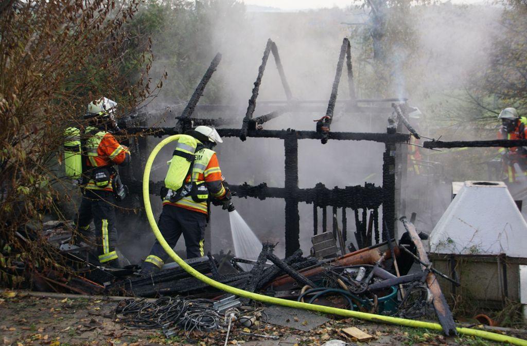 Feuer im Kreis Ludwigsburg - Gartenhaus brennt komplett nieder - Stuttgarter Nachrichten
