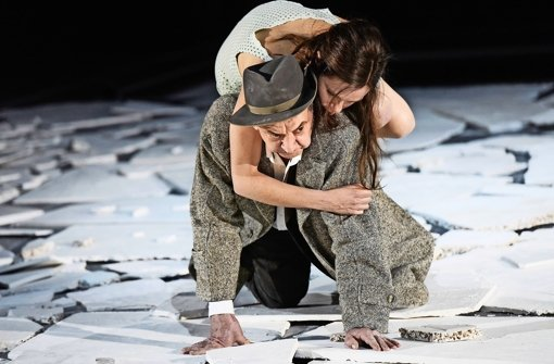 "André Jung und Fritzi Haberlandt in ""I'm searching for I:N:R:I"" Foto: Thomas Aurin"