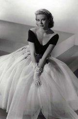 Grace Kelly wird 1929 in Philadelphia geboren. Die Tochter eines milliardenschweren Bauunternehmers arbeitet zunächst als Fotomodell, ... Foto: AP