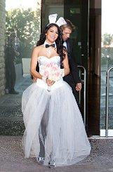 Mia Gray trug ein weißes Bunny-Kleid mit Swarowski-Kristallen, das von Katalin Peli aus Rottenburg entworfen wurde und rund 15.000 Euro kostete. Foto: Markus Schnitzler