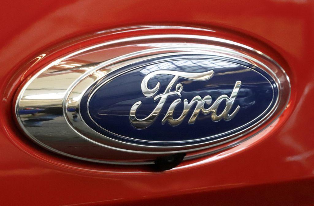 Ford prüft nach Hinweisen von Mitarbeitern Benzinverbrauch von Autos