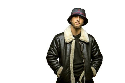 Nimos Texte klingen  nach Gangster-Rap, sie sind hart und roh – er schreibt sie für sich selbst . Foto: 385idéal