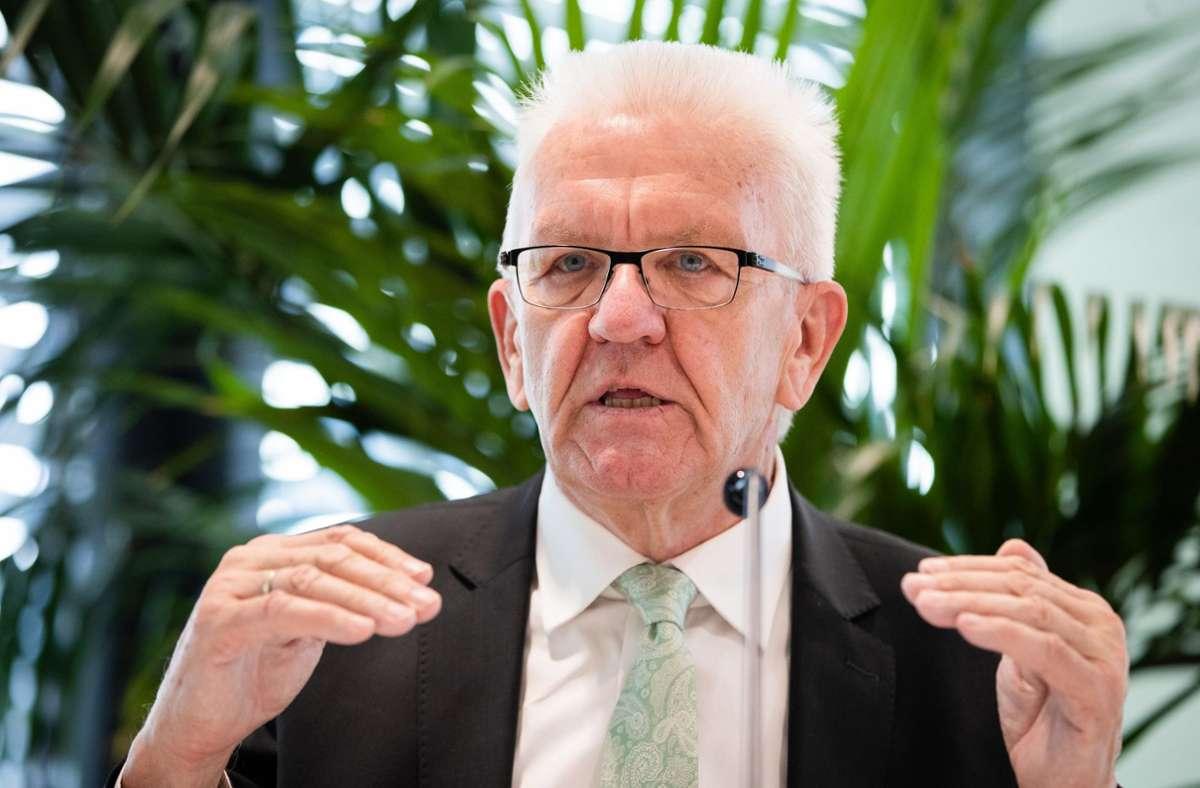 Coronavirus In Baden Wurttemberg Winfried Kretschmann Will Beherbergungsverbot Lockern Baden Wurttemberg Stuttgarter Nachrichten