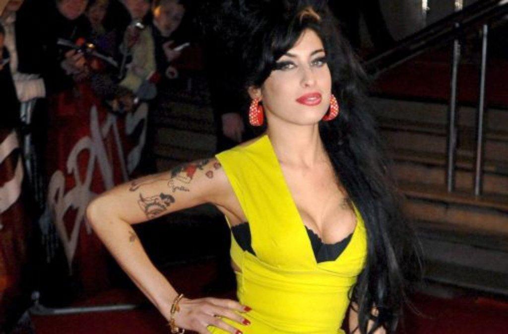Amy Winehouse Das Denkmal Hat Sogar Ihre Frisur Panorama