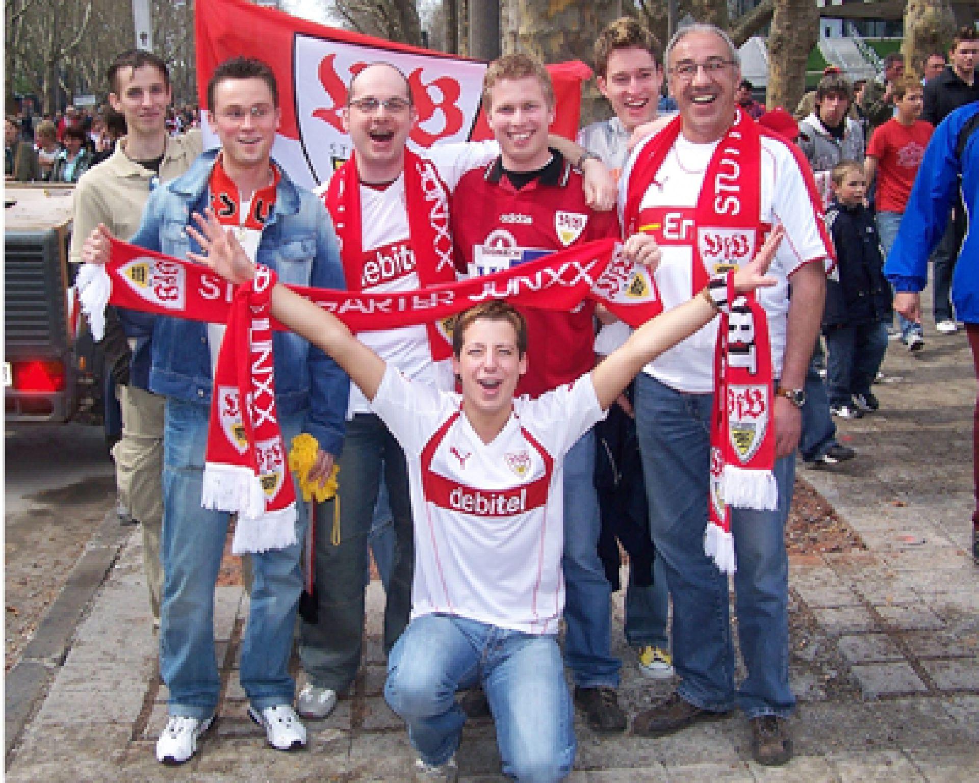 Schwul-lesbischer VfB-Fan-Club: Schwule Profis spielen ein