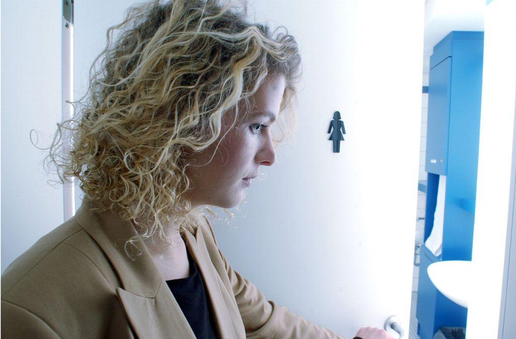Für Viele Frauen Ist Es Ein Peinliches Thema: Blasenschwäche Foto:  DAK/Wigger