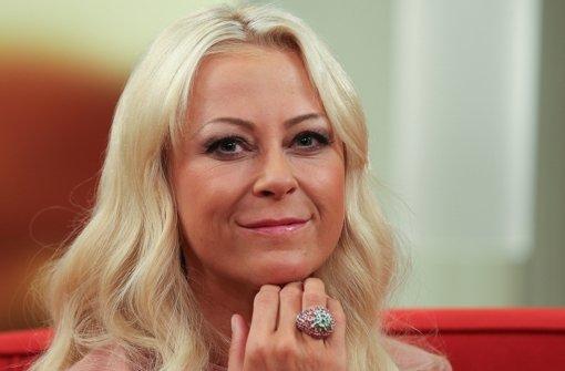 Die Krone und die TV-Karriere fest im Blick: Jenny Elvers-Elbertzhagen. Im Dschungelcamp hat sie allerdings reichlich weibliche Konkurrenz - wir haben sie im Überblick. Foto: dpa
